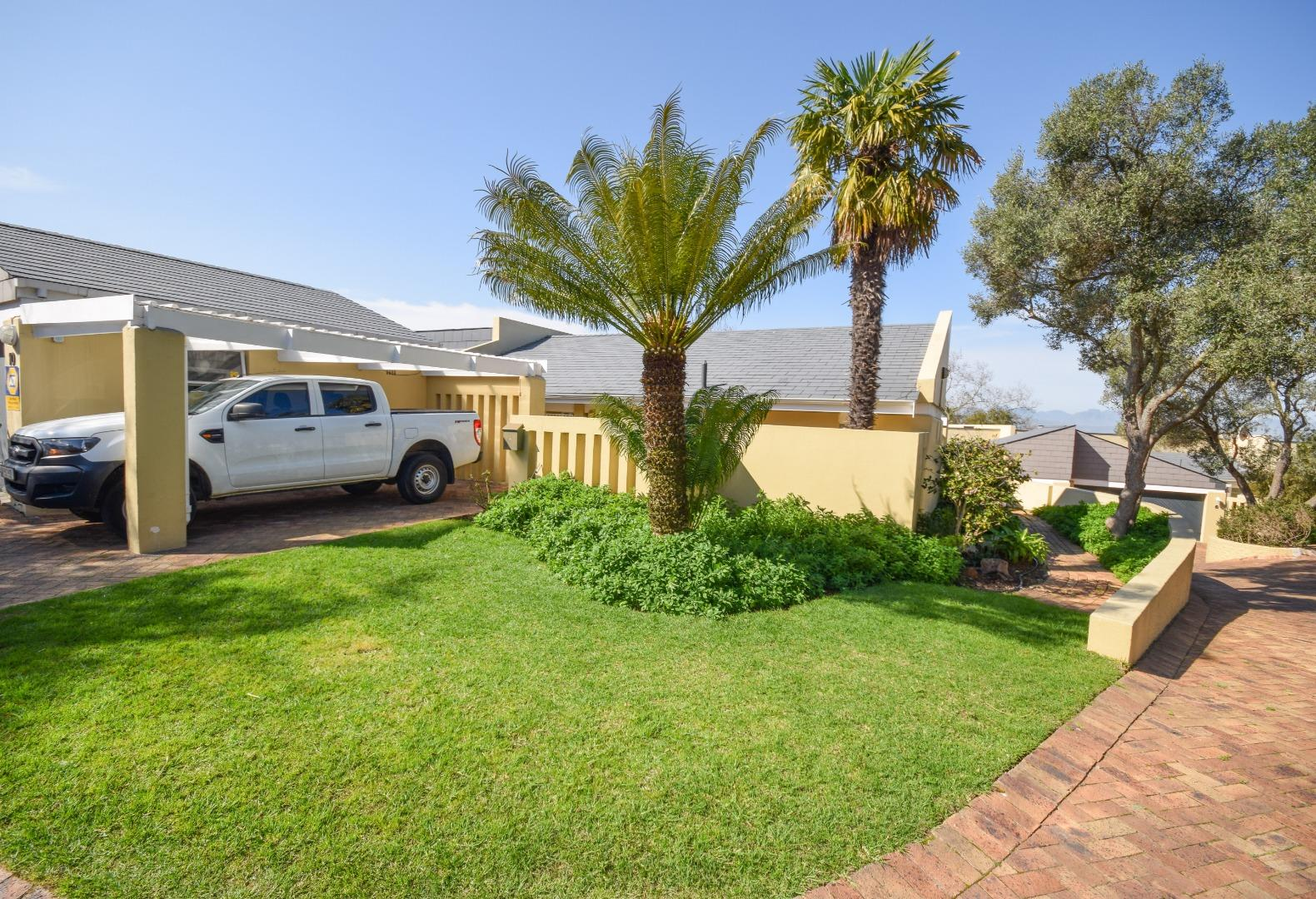2 Bedroom Townhouse for Sale in Everglen, Durbanville - Western Cape