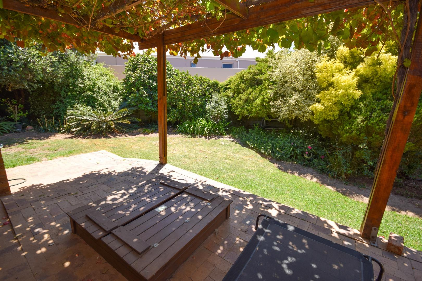 3 Bedroom House for Sale in Rosendal, Bellville - Western Cape