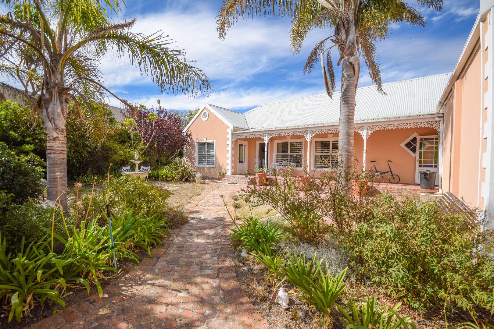 5 Bedroom  House for Sale in Bellville - Western Cape