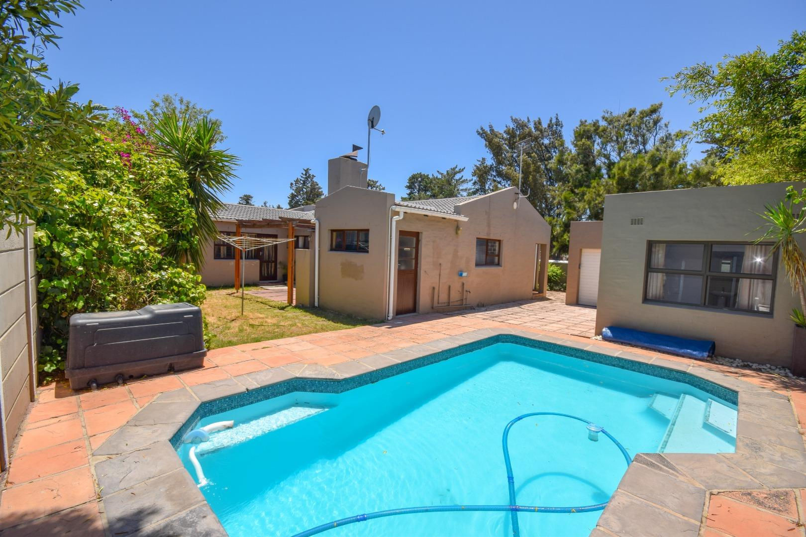 4 Bedroom  House for Sale in Goodwood - Western Cape