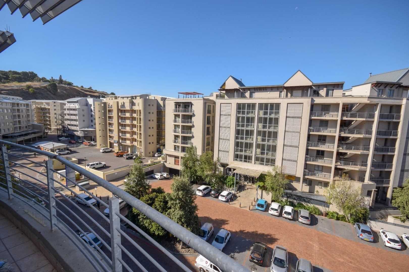 2 Bedroom Apartment for Sale in Tyger Waterfront, Bellville - Western Cape