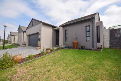 3 Bedroom House for Sale in Turnberry Village, Kuils River - Western Cape