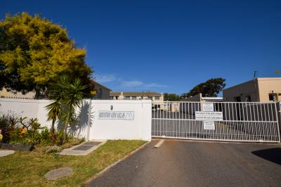 2 Bedroom Apartment for Sale in Ridgeworth, Bellville - Western Cape